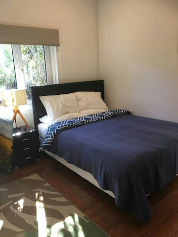 Comfortable private house - Near Airport