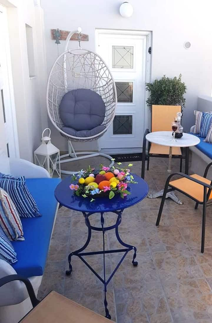 Apt in Firostefani suitable for families-Sofia