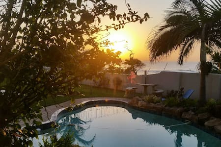 Umhlang Beachfront Villa - Umhlanga