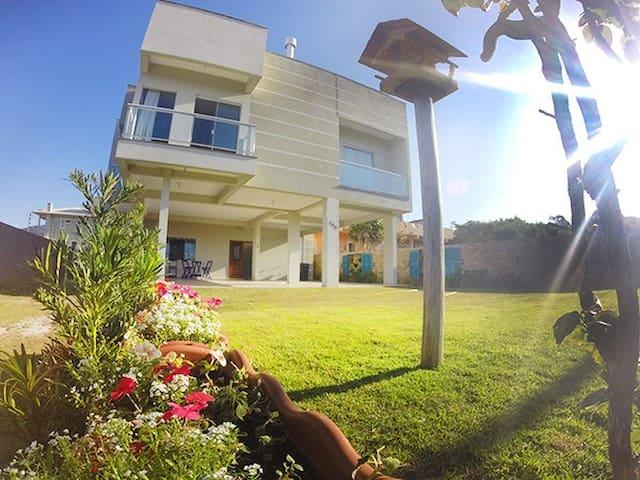Ótimo apto 2 quartos Vista Mar - Divino Residence