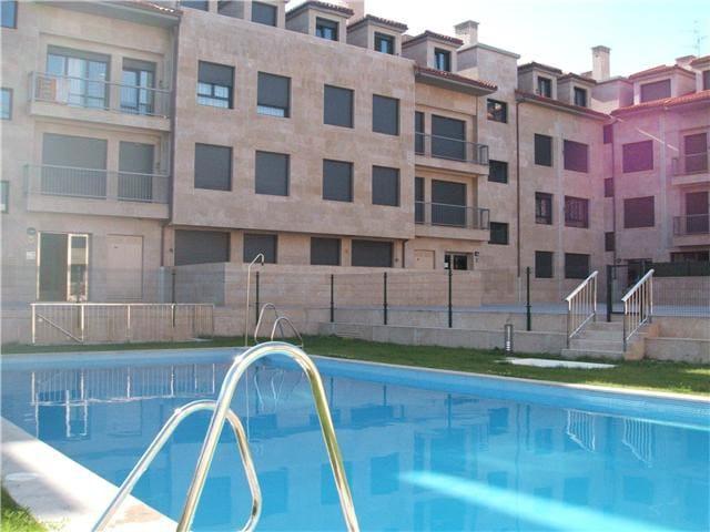 abuhardillado en urbanizacion con piscina privada - Llanes - Condo