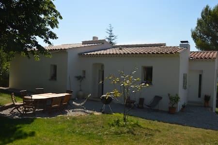 Chambres en colline entre Aix, Marseille et Toulon - Auriol