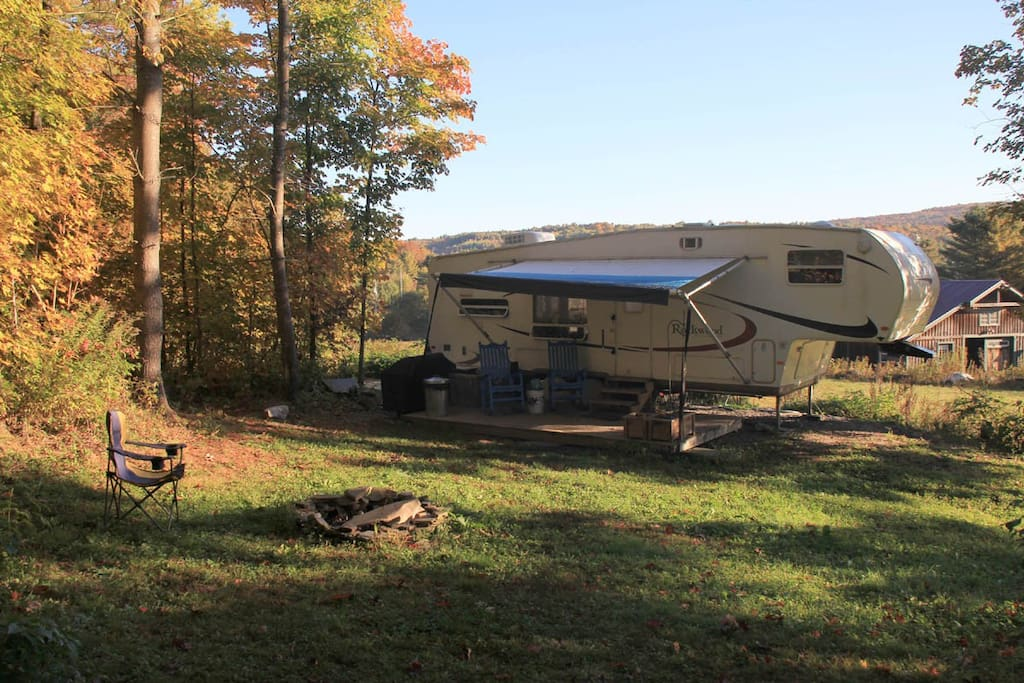 Secluded rv retreat on small hobby farm campers rvs for for Small motor homes for rent