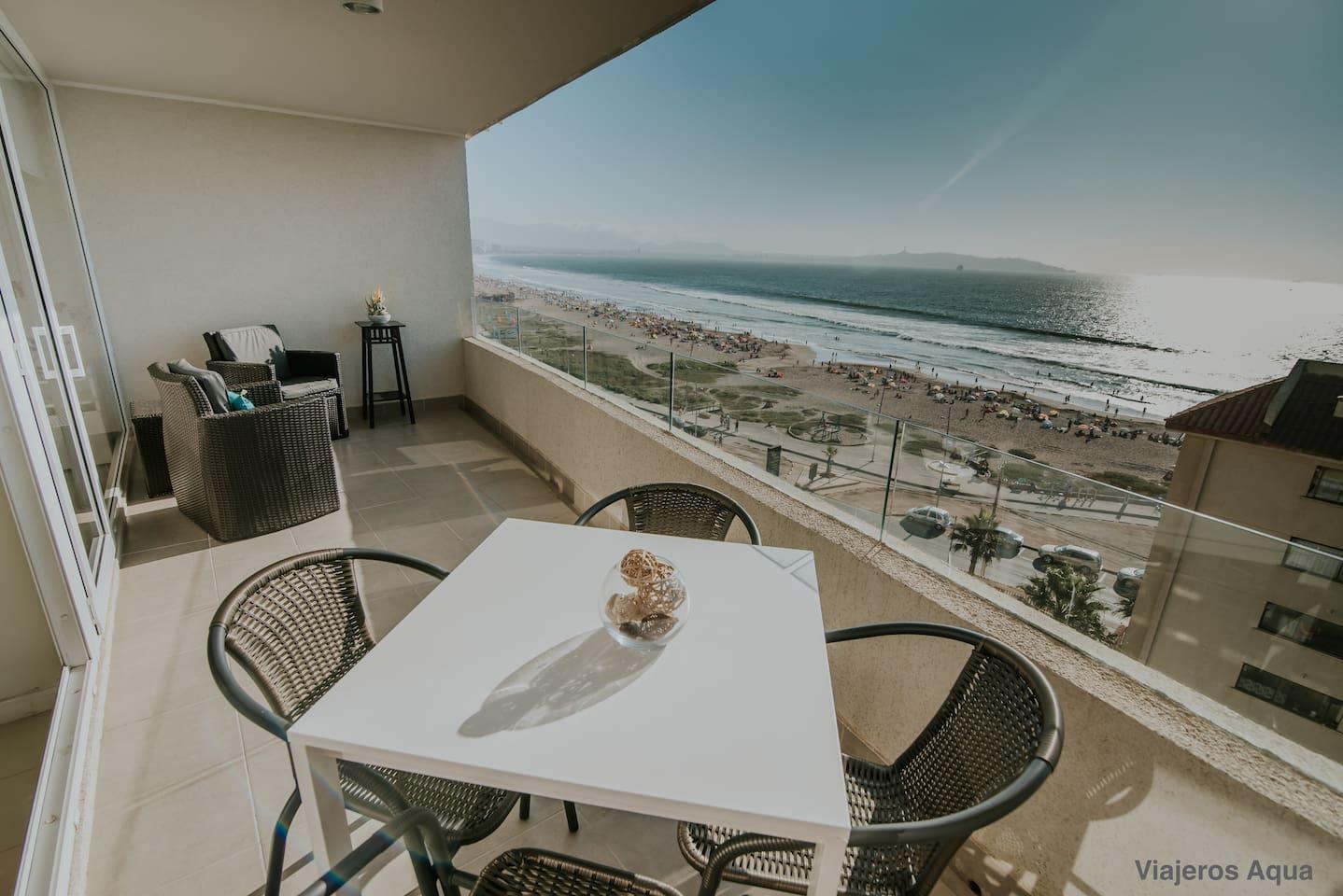Balcón con vista a la Av. del Mar