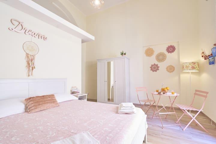 Capri Dream mini flat- in Saint Laurence