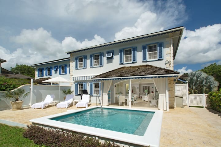 Villa Gina, 3 bedrooms & pool, Holetown, St James