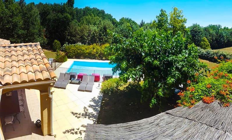 Superbe mas familial, piscine sécurisée et sauna