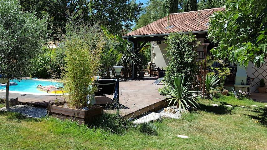 Maison de campagne - Sainte-Colombe-en-Bruilhois - Casa