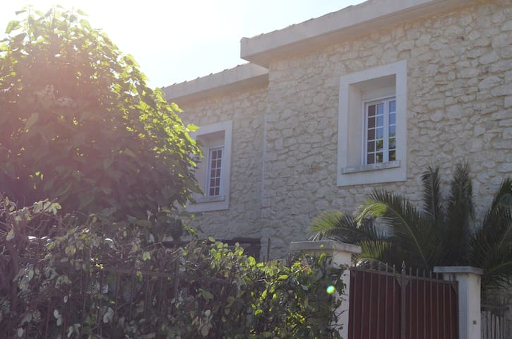 Jolie maison, entre Alpilles et Luberon