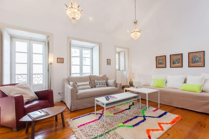 Chiado / Bairro Alto Dream Apartment + Free Pickup