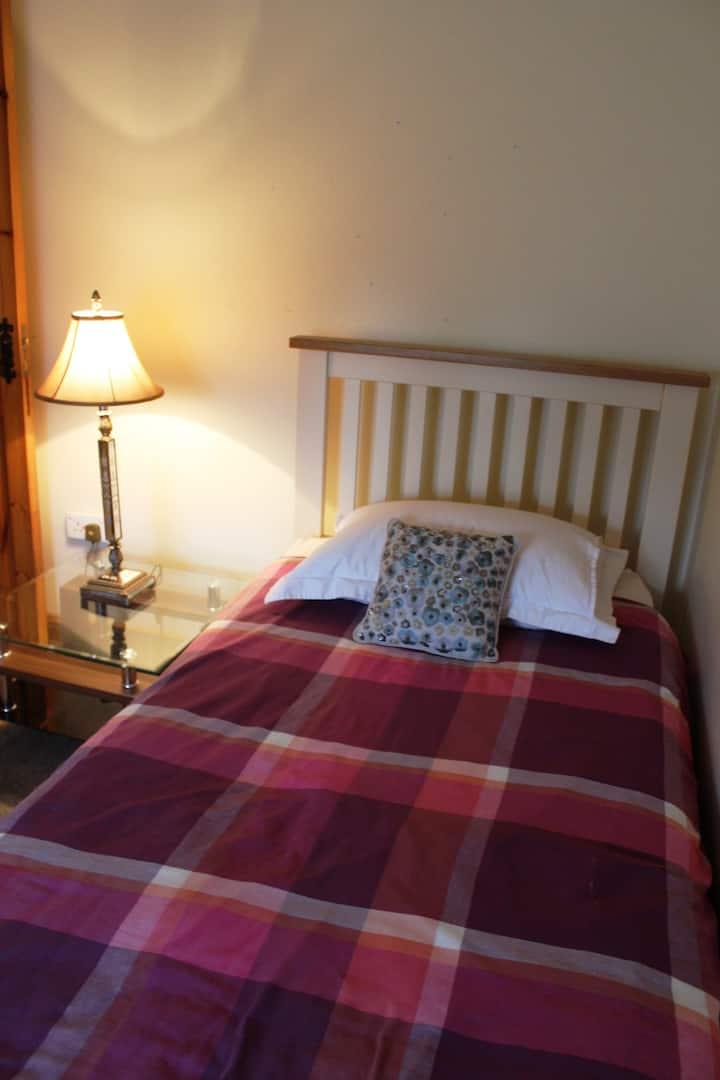Ennis Twin Bedroom