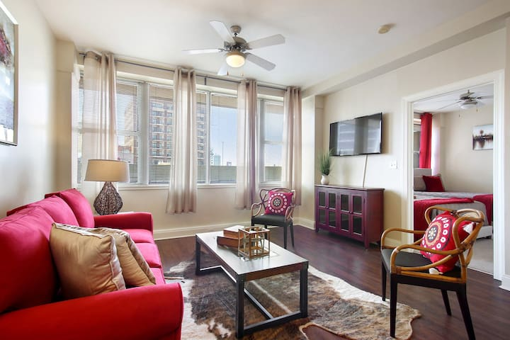 ★★ WONDERFUL CONDO IN DOWNTOWN NEW ORLEANS!! ★★