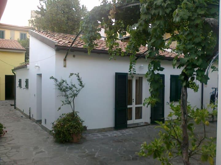 Casa indipendente 100 mt dal mare a Livorno