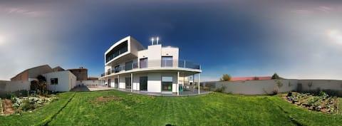 Villa + game of escape room near lake Gallocanta