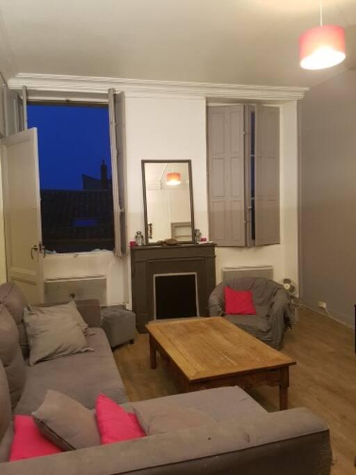 Appartement calme et cosy sur quai des chartrons for Appartement bordeaux quai des chartrons location