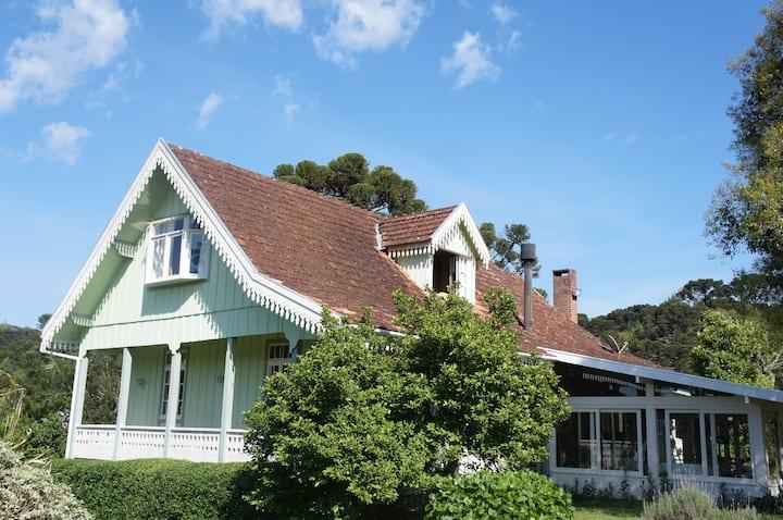 Villa Procópio- Charme e Aconchego em Gramado II