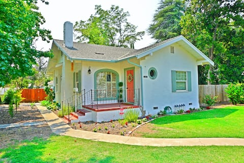 Newly Remodeled Charming Farm House