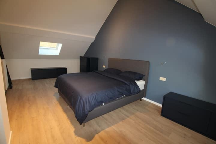 chambre á louer dans maison de cohabitation