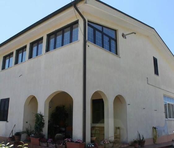 Villa Maria camera luminosa