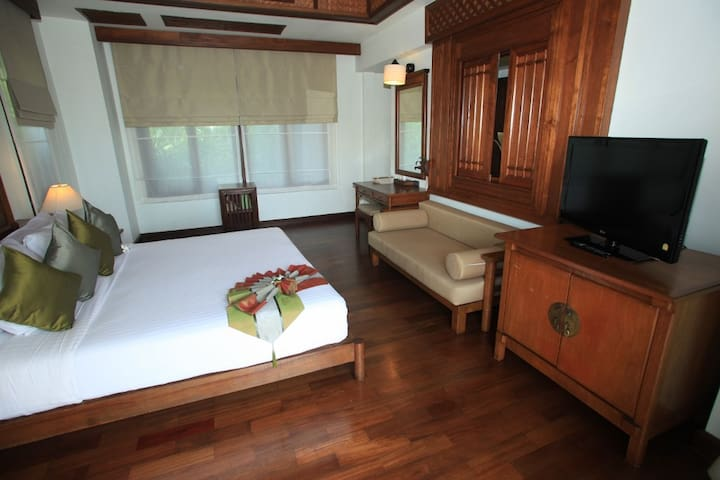 Huge room with beautiful view in Koh Samui