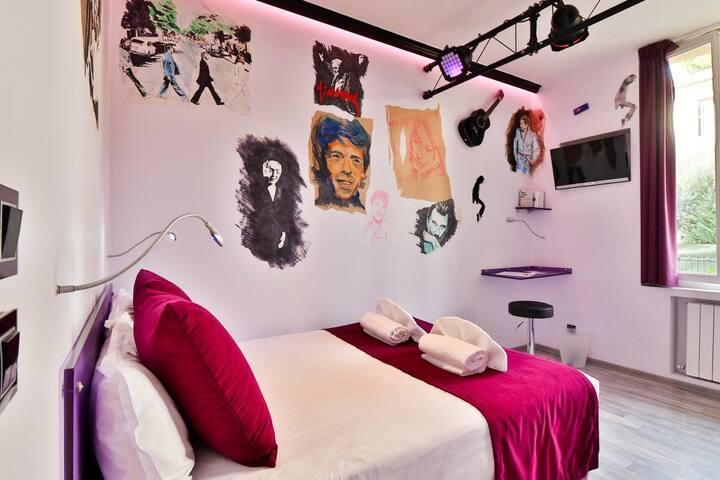 "Room ""La Musique"" by easyBNB"