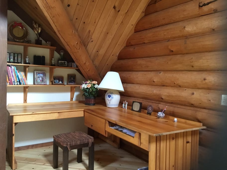 Redwood Log Cabin Upstairs Room C Cabins For Rent In