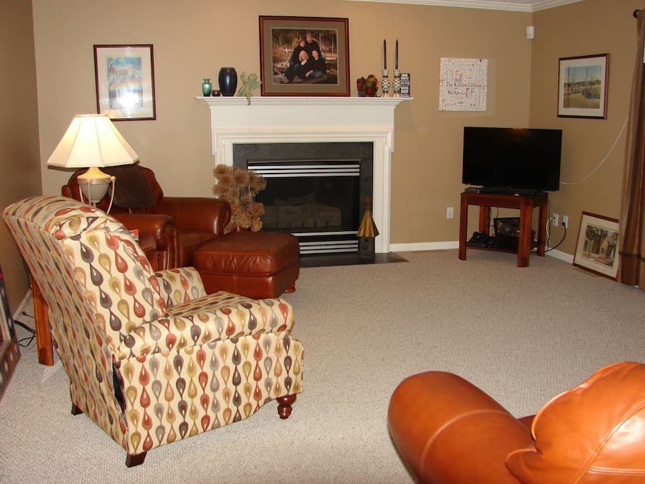 Family room for gathering & relaxing