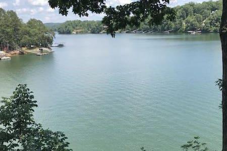 Smith Lake Retreat