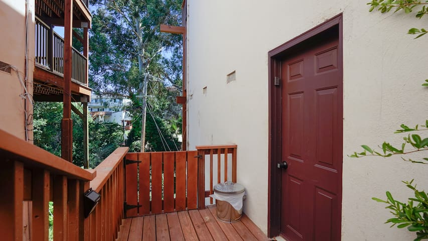 Private Entrance 8 mins to SFO - New Studio