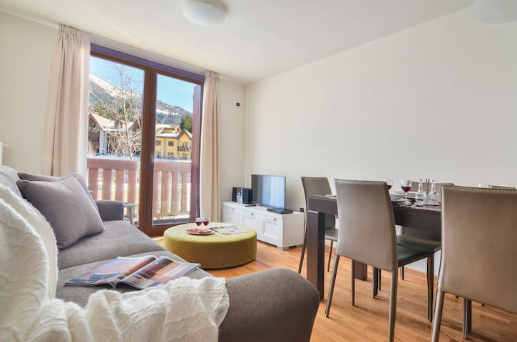 Cima Tonale - Panoramic apt w/mountain view