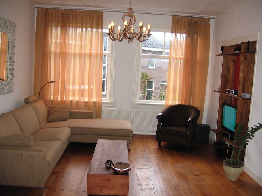 lovely fully furnished bright apartment wohnungen zur miete in den haag zuid holland niederlande. Black Bedroom Furniture Sets. Home Design Ideas