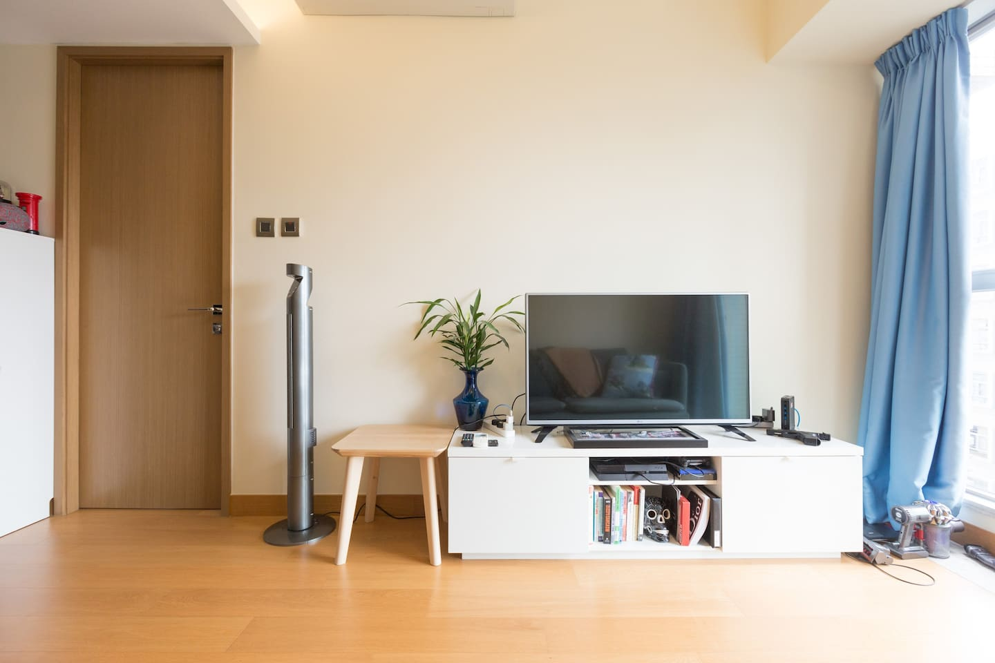 Bright, spacious and airy living room, all for your use