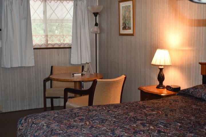 Comforts at the Hopwood Motel