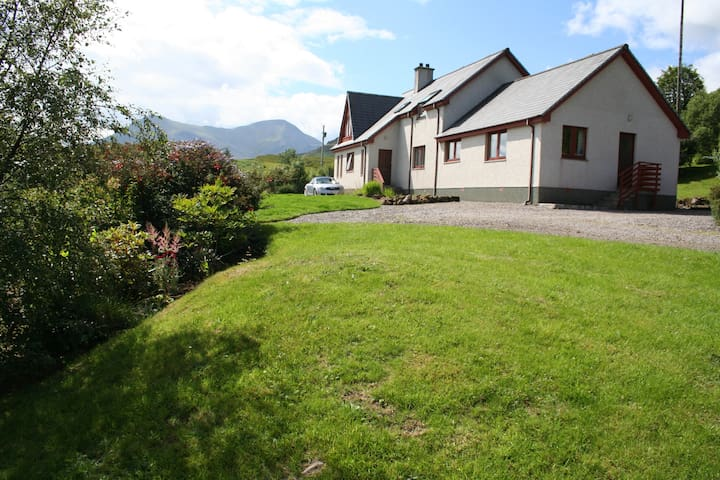 The cottage is ideally situated for exploring Skye