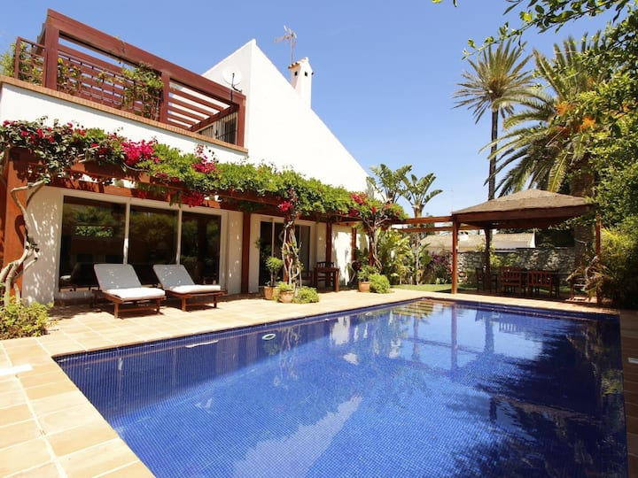 Casa Fiona A - Charming holiday home with pool very close to the beach