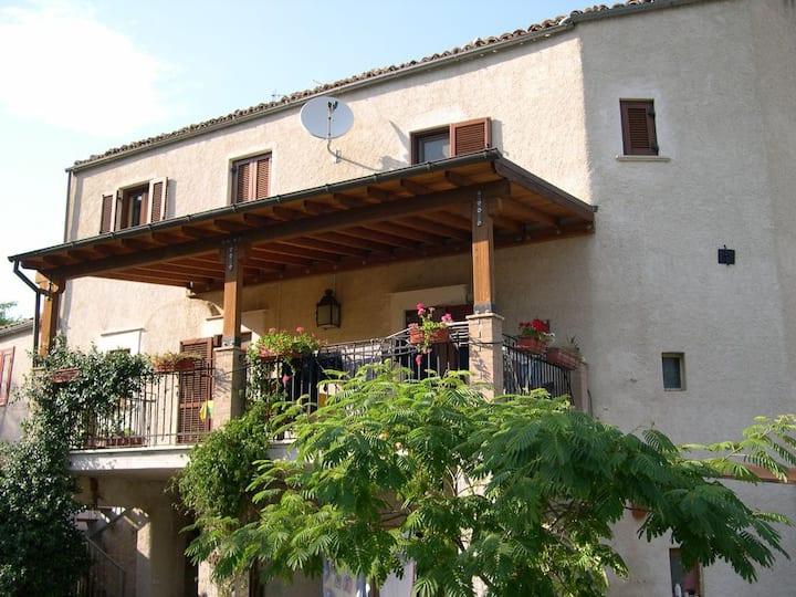 casa colonica , Castiglione a Casauria (Pescara )