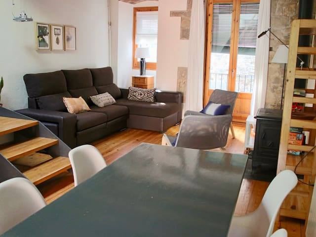 Cycling holiday in Girona Arab Baths - house with garden 11 persons