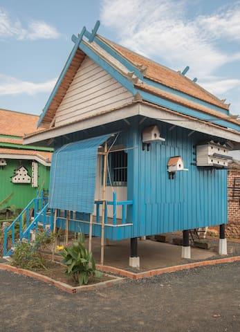 Soban Teuk Blue - Bungalo