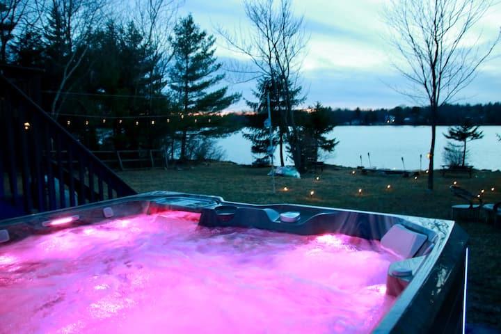 Sunset Paradise ! Lake Front with Hot tub !
