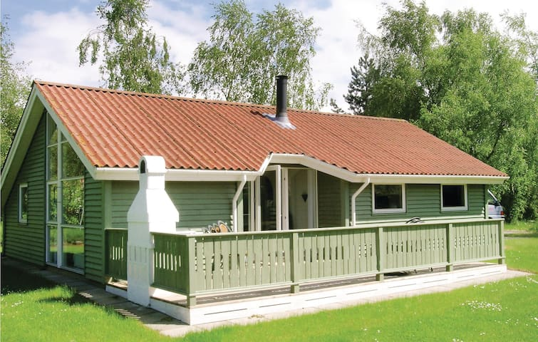 Holiday cottage with 3 bedrooms on 75m² in Stubbekøbing