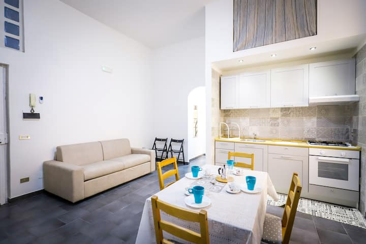 ONE BEDROOM ACCOMMODATION IN VIA NOLANA