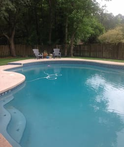 Inviting modern pool home! - Orange Park