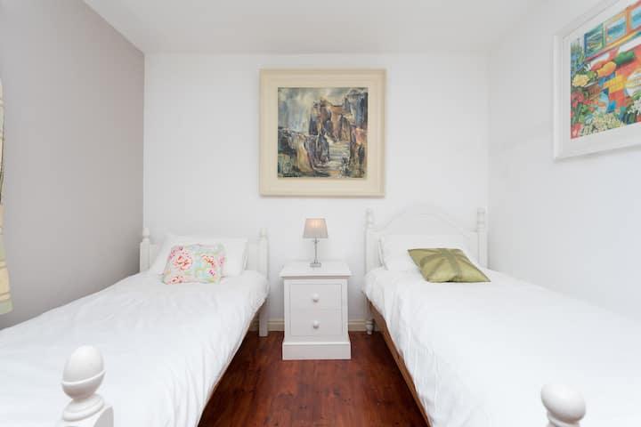 Willowfield House Twin room