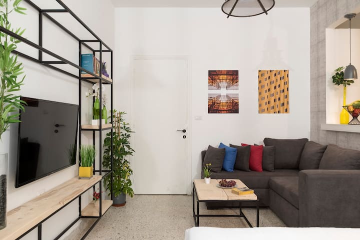 ★ Garage Studio in the Heart of Mar Mikhael