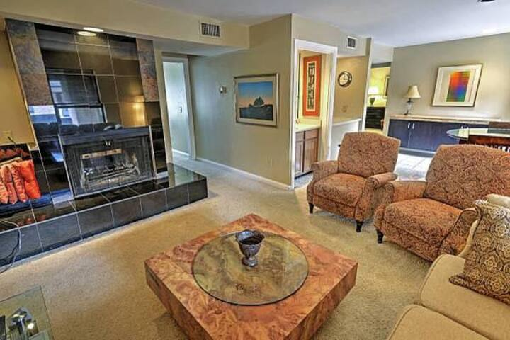 Charming 2BD/2BA Apt. w/pool in Oklahoma City