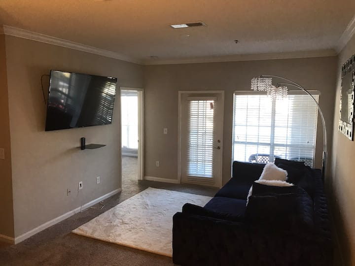 2bed-2bath in a gated community located in Cobb