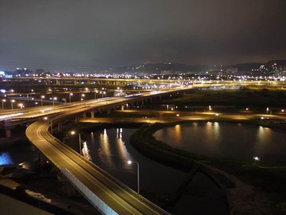 河堤夜景2