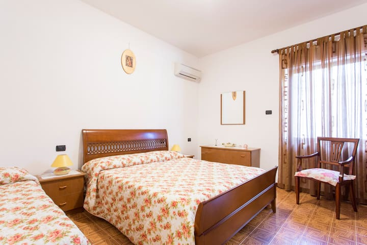 B&B La piccola oasi (seaside villa) - Lazzaro - Lägenhet