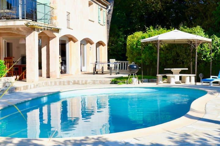 Villa Avec Piscine Exclusive A Cannes Golfe Juan Guest Suites