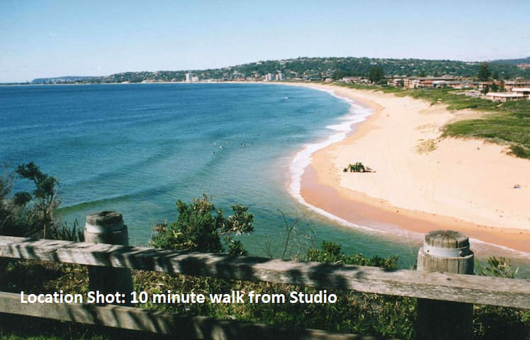 Lake side studio with large balcony - North Narrabeen - Wohnung